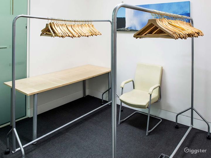 Small Breeze Meeting Room in London Photo 3