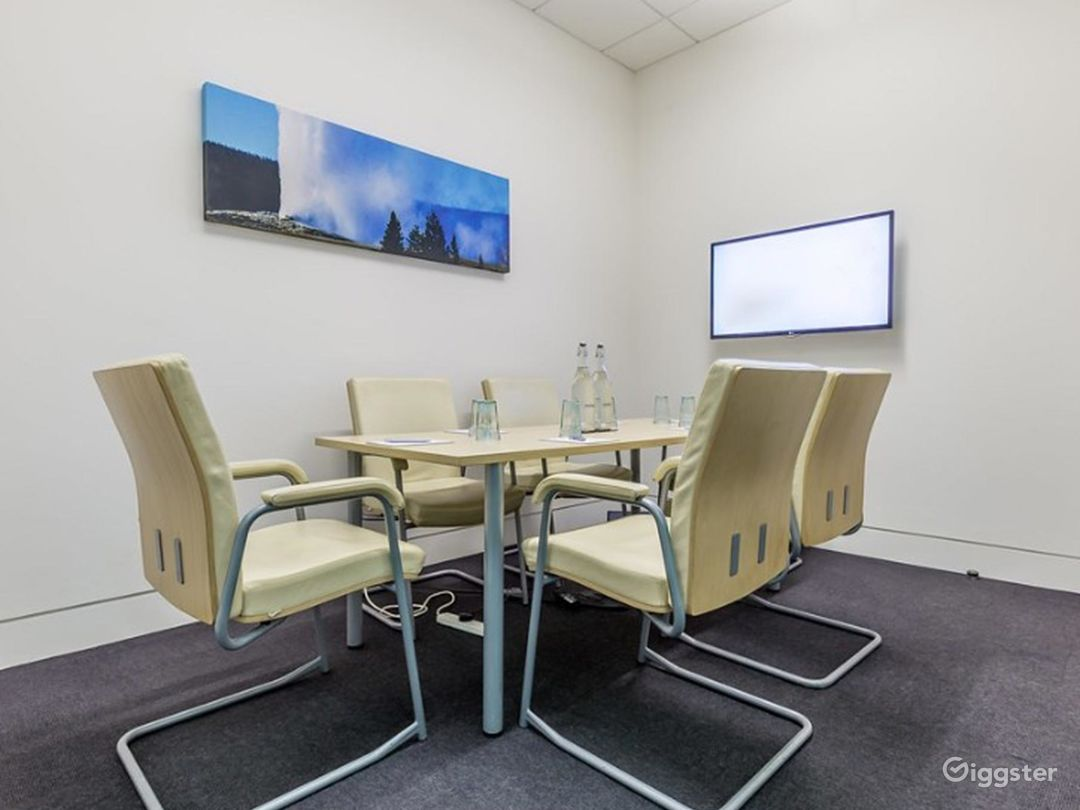 Small Breeze Meeting Room in London Photo 1