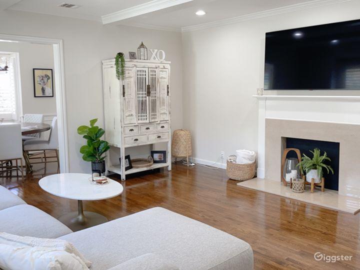 Modern Home in Sherman Oaks Photo 2