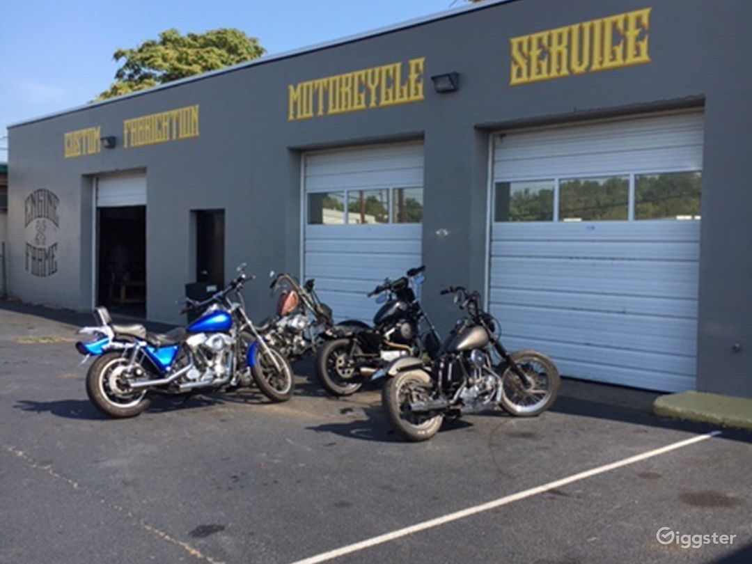Motorcycle Repair Shop Photo 1
