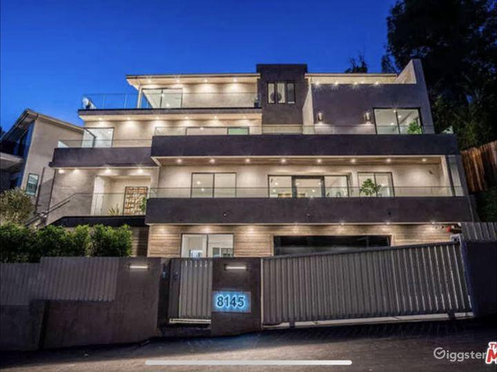 Hollywood Hills Mansion Photo 2
