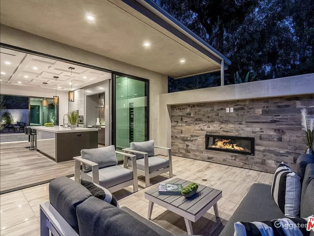Hollywood Hills Mansion Photo 1