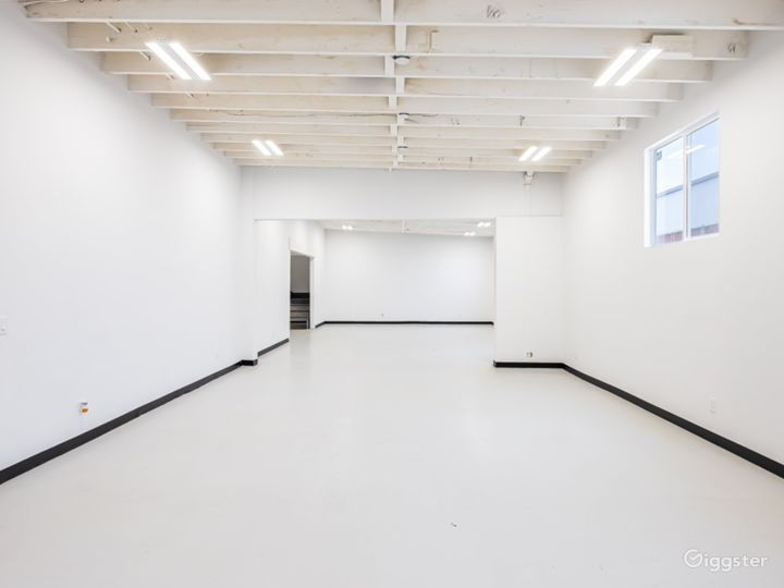Industrial and Multi Studio Creative Space Photo 4