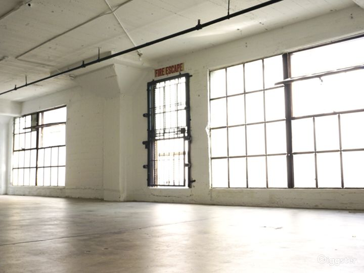 Downtown Studio Loft  Concrete and White Wall  Photo 4