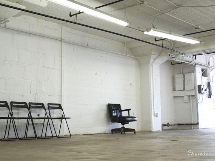 Downtown Studio Loft  Concrete and White Wall  Photo 5