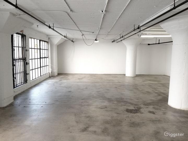 Downtown Studio Loft  Concrete and White Wall  Photo 3