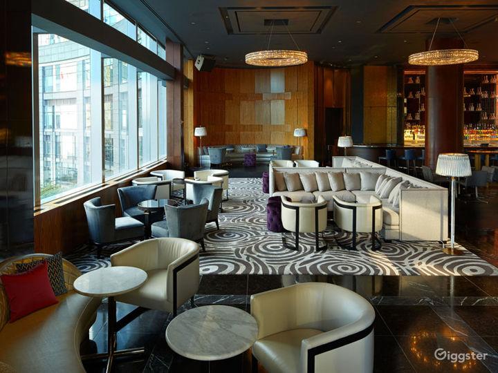 Premium Multi-faceted Lounge Photo 5