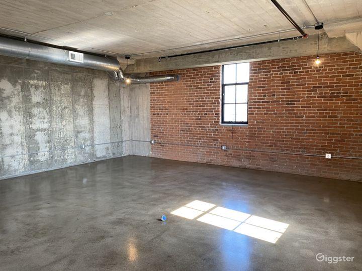 Arts District Industrial Loft Photo 5