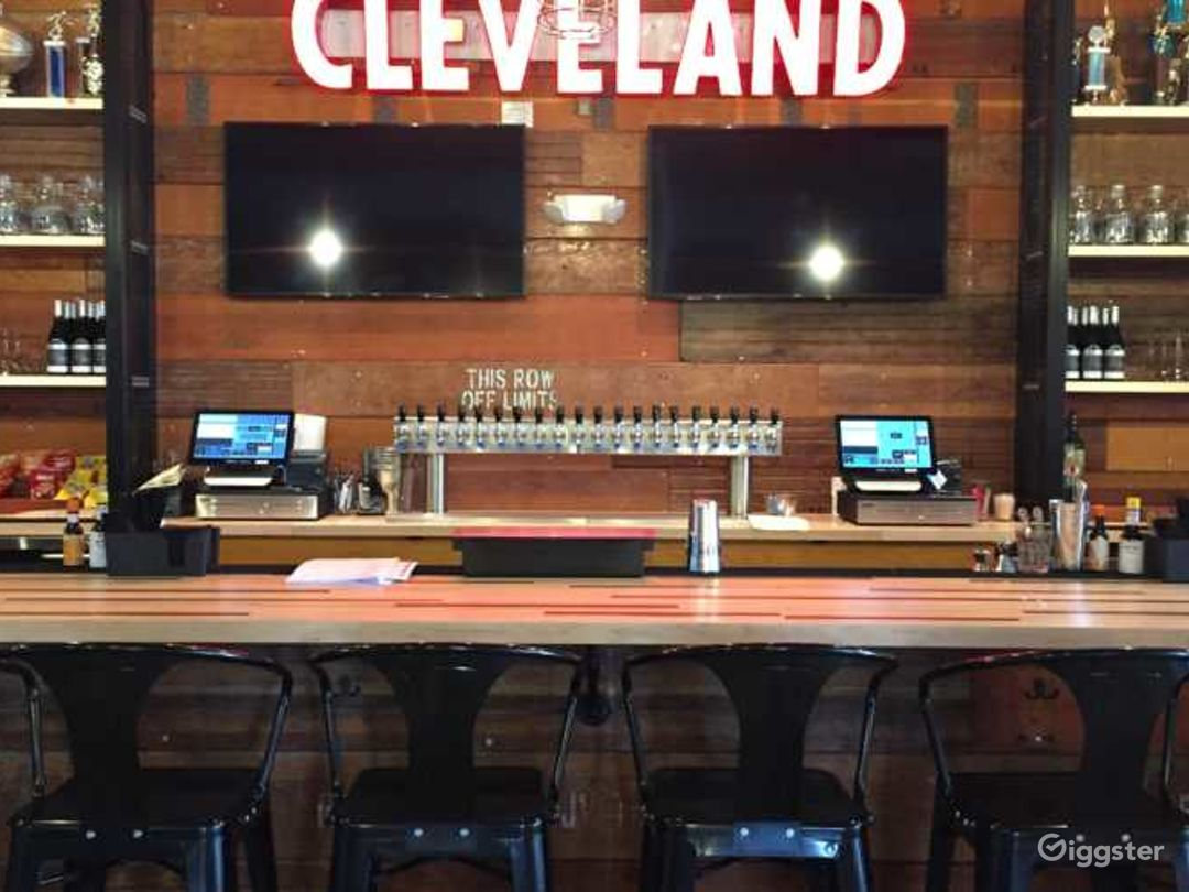 Full Service Bar in the Home of King James Photo 1