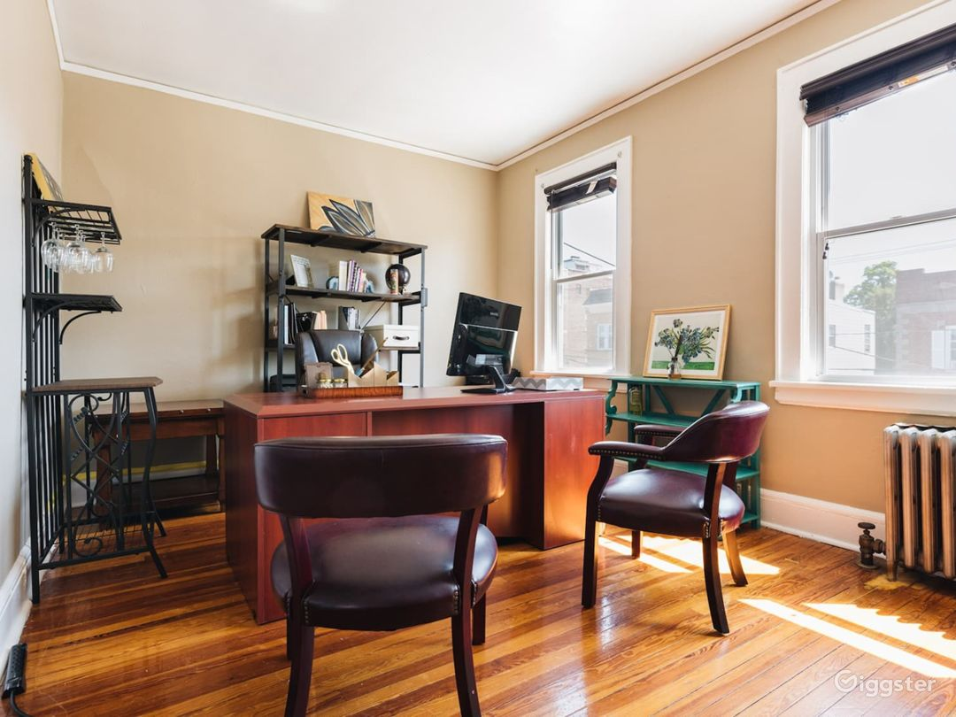 Well designed 2BR with Home Office Photo 1