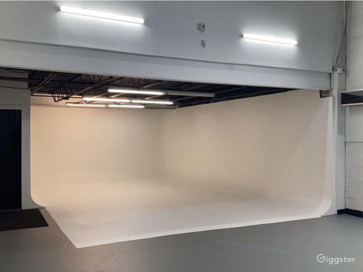 CONVENIENT Drive-In Film Production Studio Photo 4