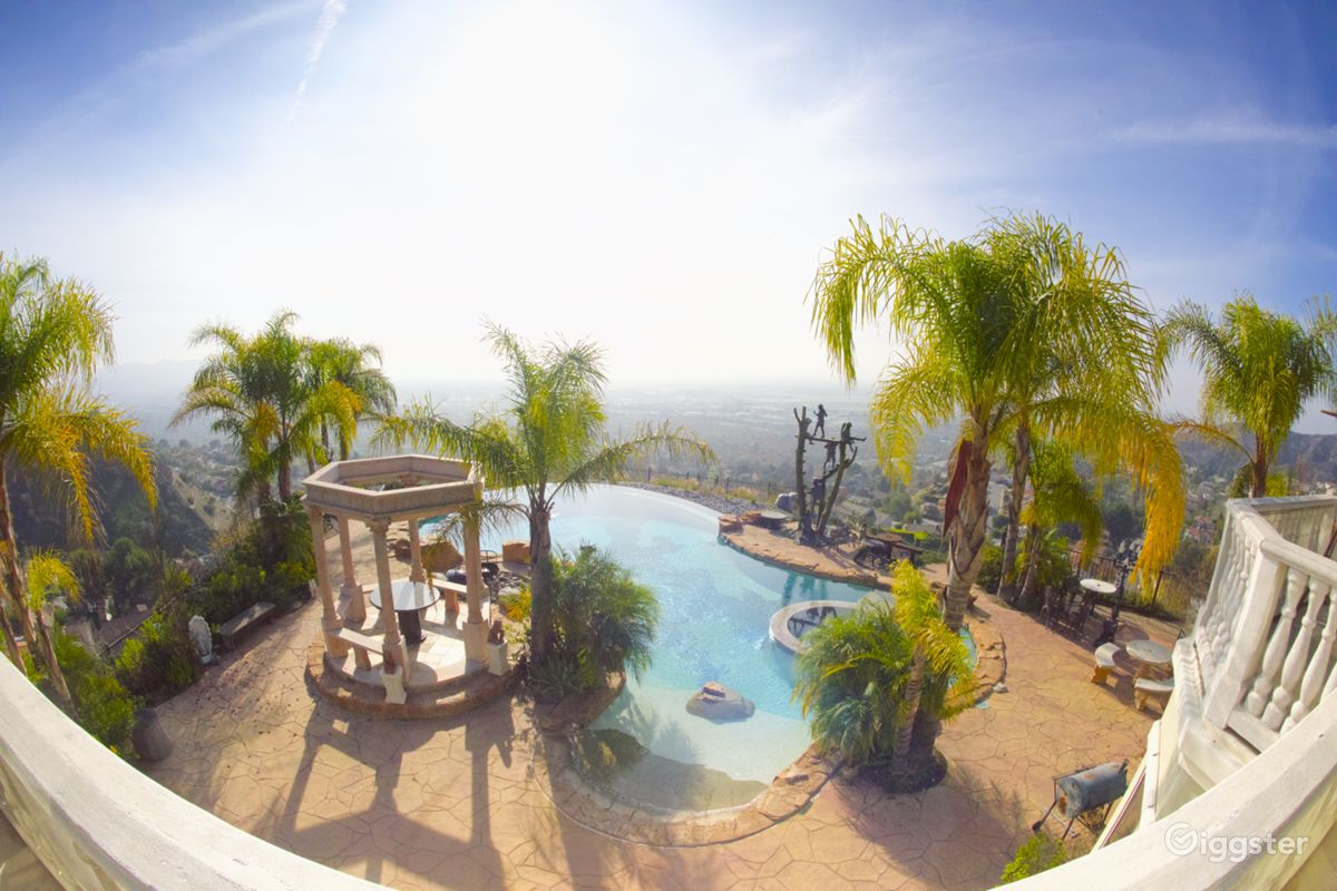 Rent Luxury Burbank Mansion winfinity pool city view House