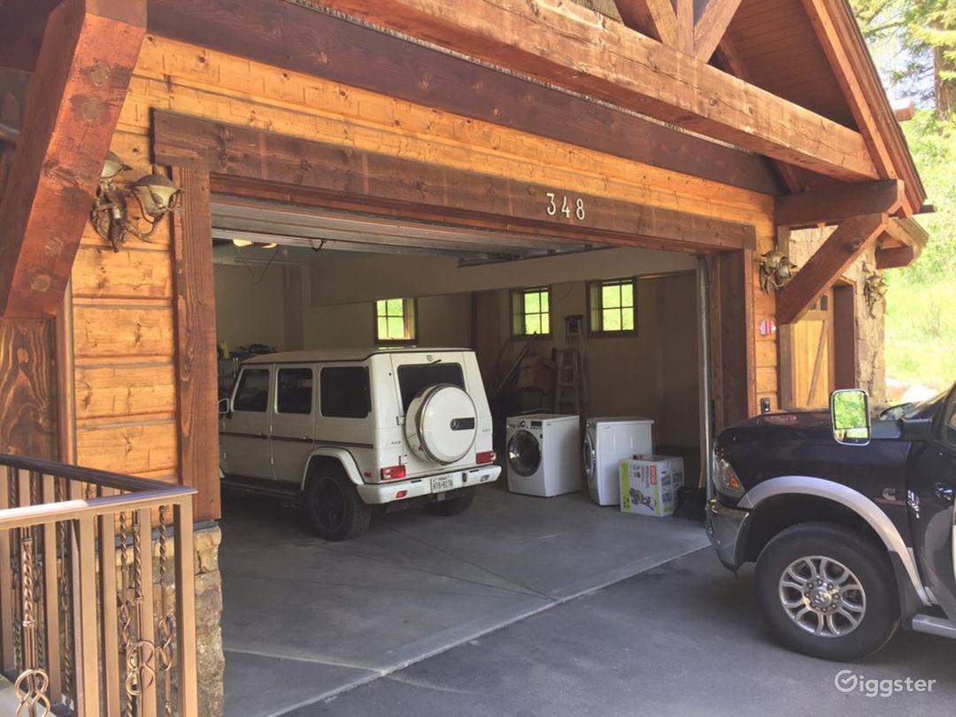 Designer Home Near Vail Photo 2