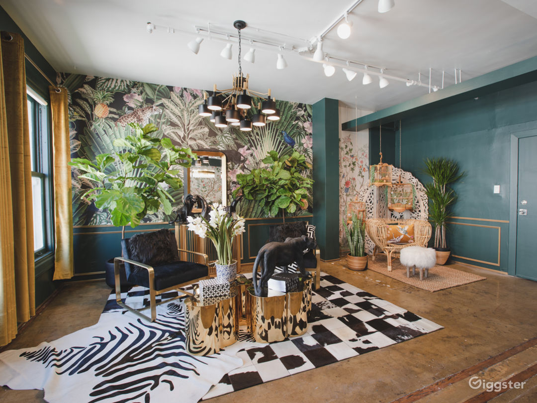 DTLA Sun Drenched Luxury Unique Jungle with Piano Photo 2