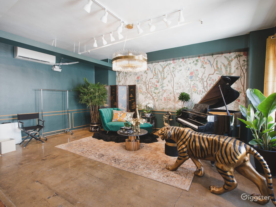 DTLA Sun Drenched Luxury Unique Jungle with Piano Photo 5