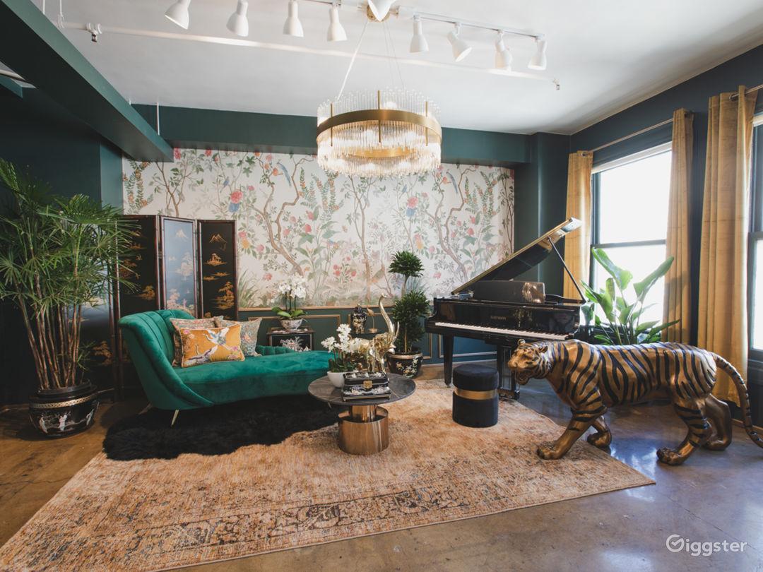 DTLA Sun Drenched Luxury Unique Jungle with Piano Photo 1