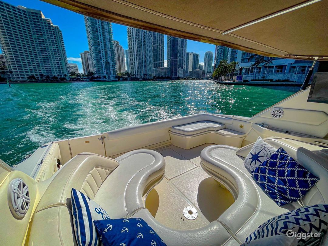 Breath-Taking 50ft SEA RAY Sea Isle Party Yacht Space Events Photo 1