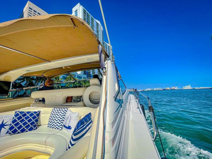 Breath-Taking 50ft SEA RAY Sea Isle Party Yacht Space Events Photo 3