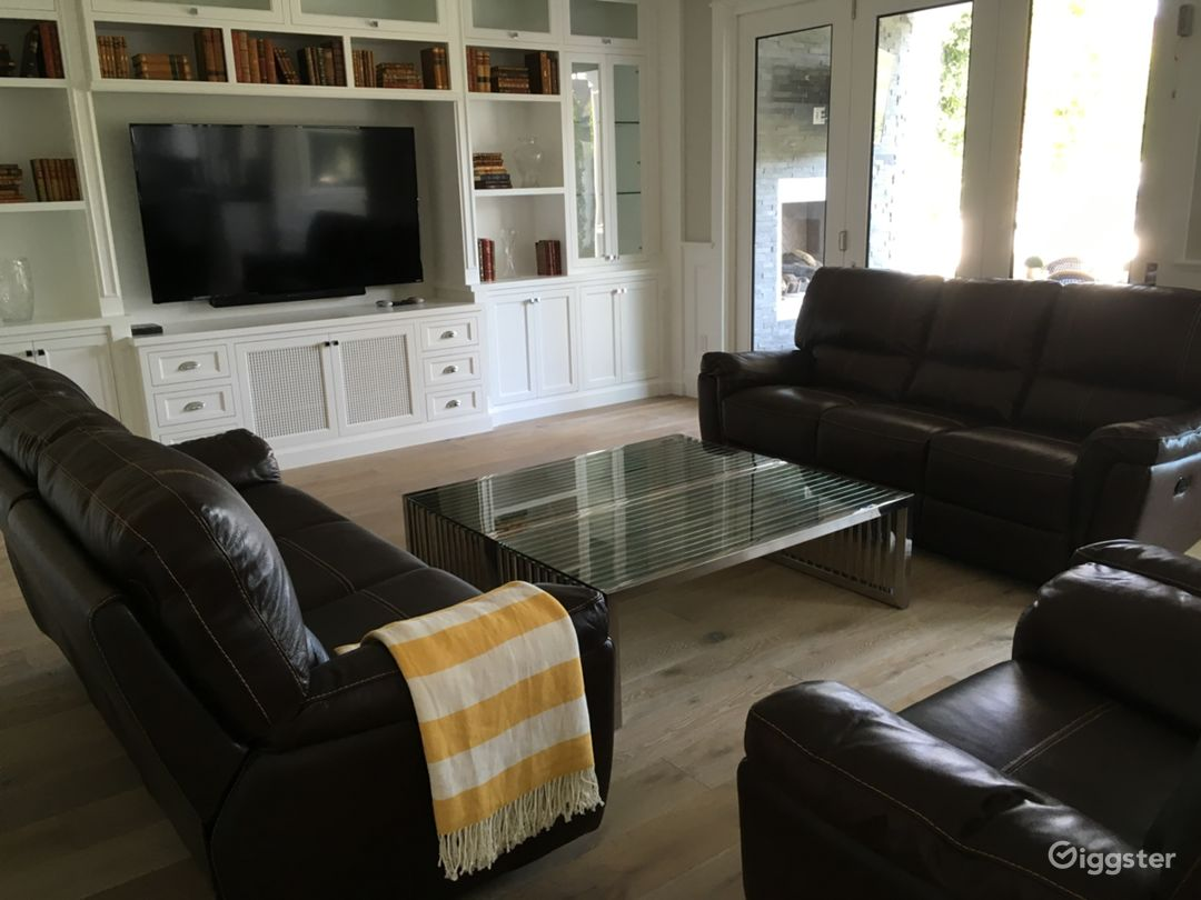 Modern Cape Cod Valley Entertainment Home  Photo 2
