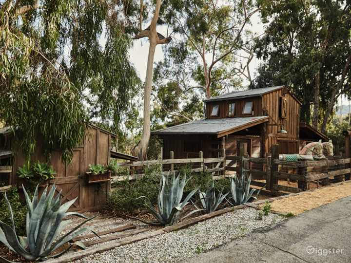 The Barn in Topanga with Outdoor Deck Photo 3