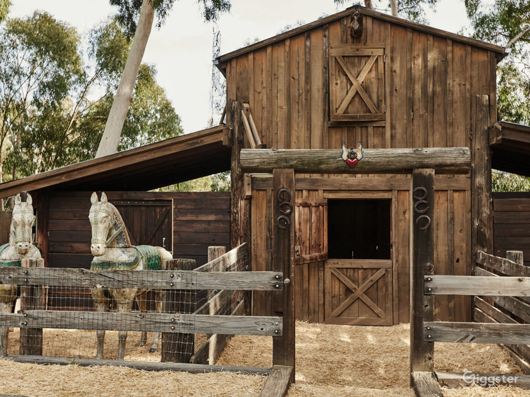 The Barn in Topanga with Outdoor Deck Photo 4