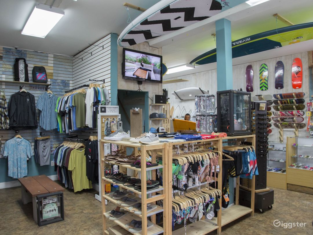 Fully Stocked Surf and Skate Shop Photo 4