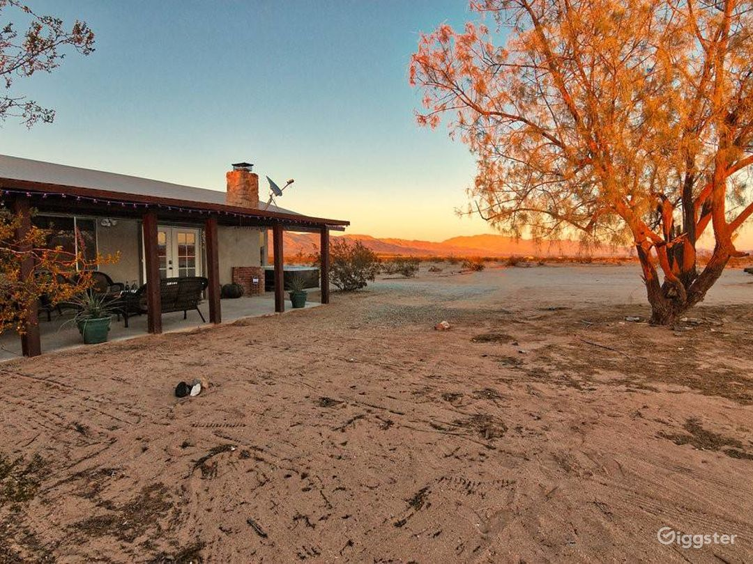 Spectacular 5 Acre Desert Hideaway w/Amazing Views Photo 1