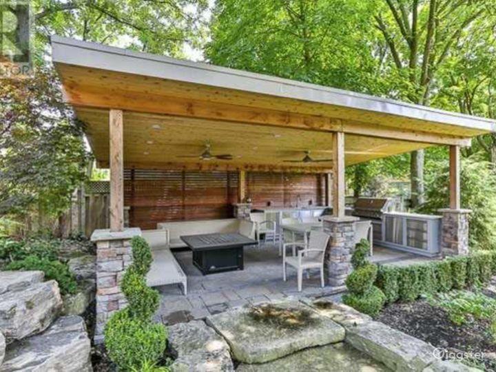 Open Concept Family Home Photo 5