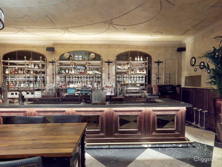 Scottish Elegant Bar in Edinburgh Photo 2