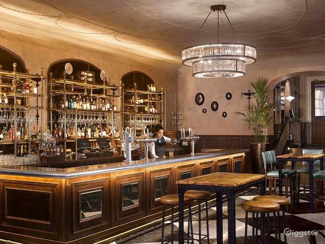Scottish Elegant Bar in Edinburgh Photo 1