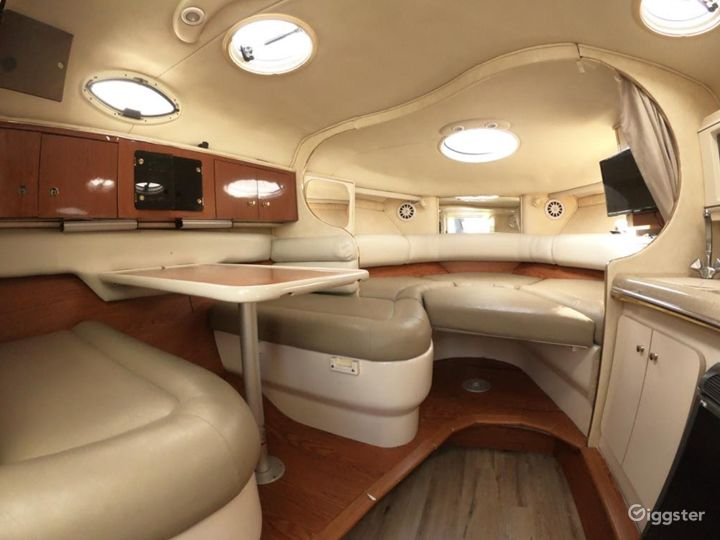 Lovely 32ft Monterey Party Boat Space Events Photo 3