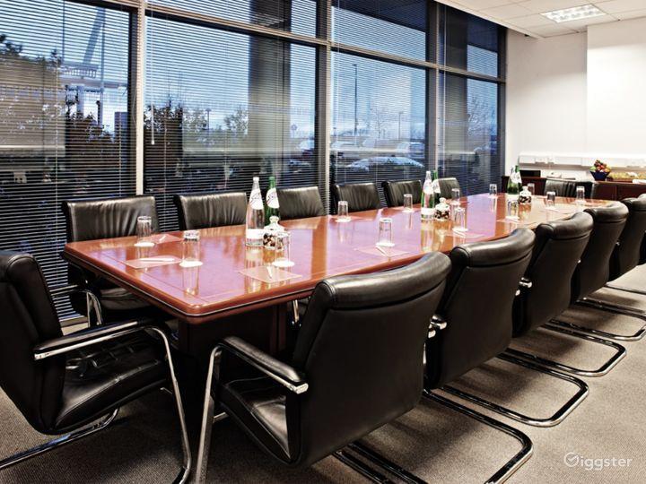 Luxury Boardroom in Reading Photo 2
