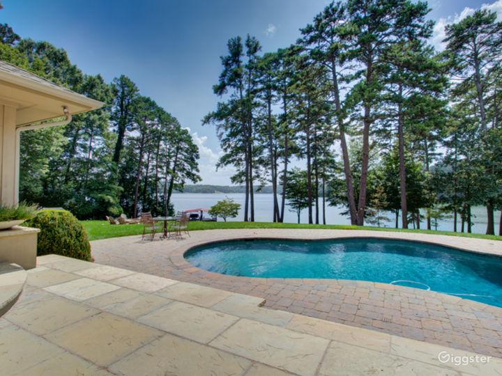 Ultimate Luxury Lake Property Photo 2