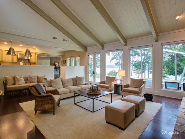 Ultimate Luxury Lake Property Photo 3