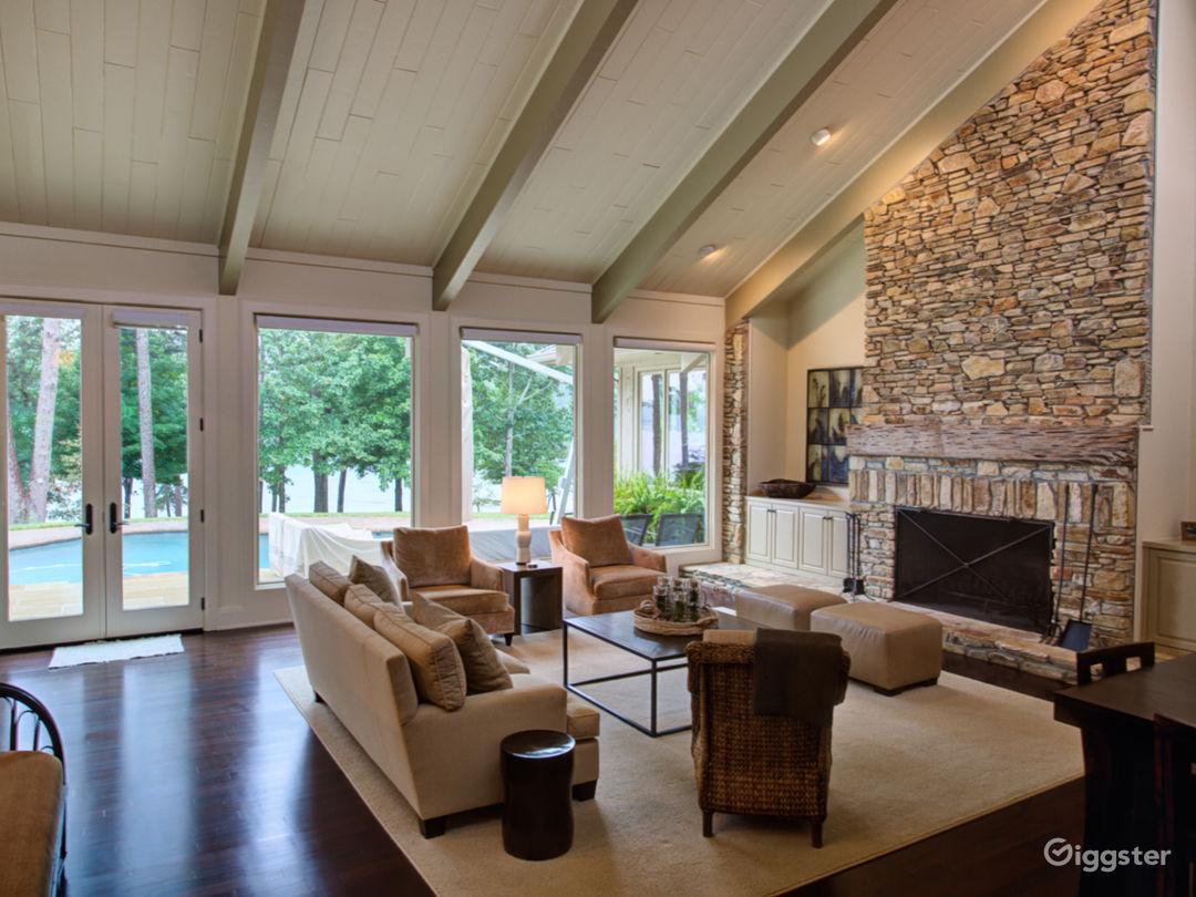 Ultimate Luxury Lake Property Photo 4