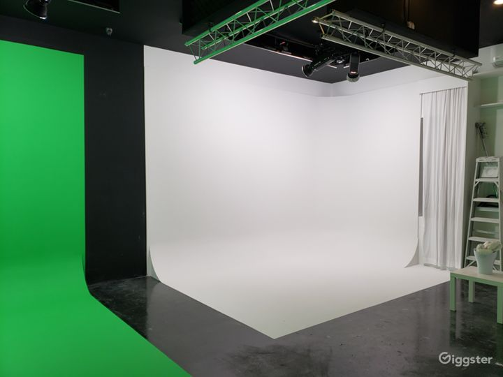 Green Screen and White CYC Studio in Brooklyn Photo 4