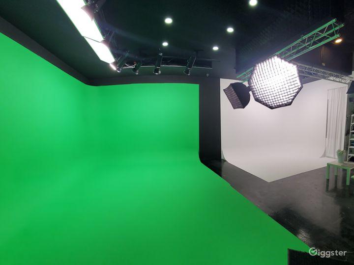 Green Screen and White CYC Studio in Brooklyn Photo 2