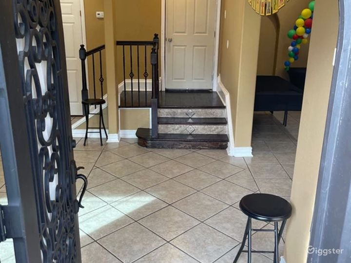 Fun and Perfect Party House Venue in Central Houston Photo 3