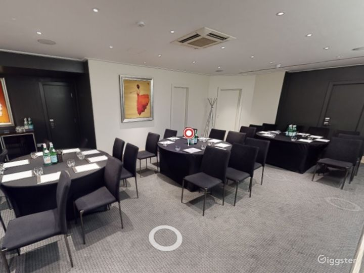 Superb  Private Room 5 in Leicester Square, London Photo 2