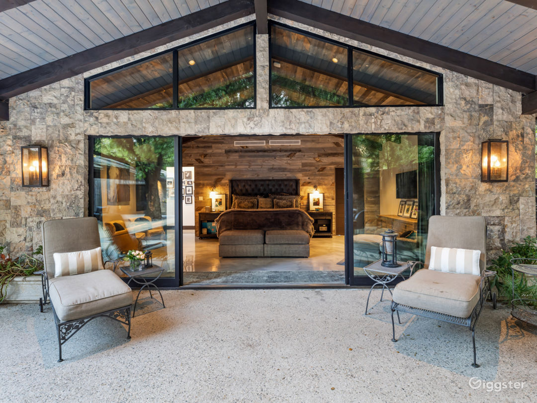 Canyon Ranch house with equestrian barn. Photo 1