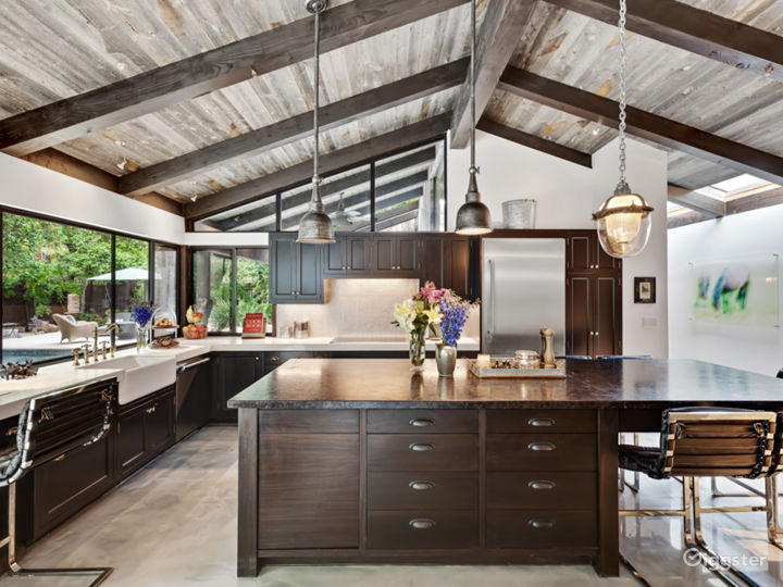 Canyon Ranch house with equestrian barn. Photo 3