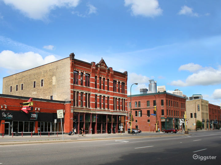 Amazing and Stylish Buy-out Event Center in Minneapolis Photo 2