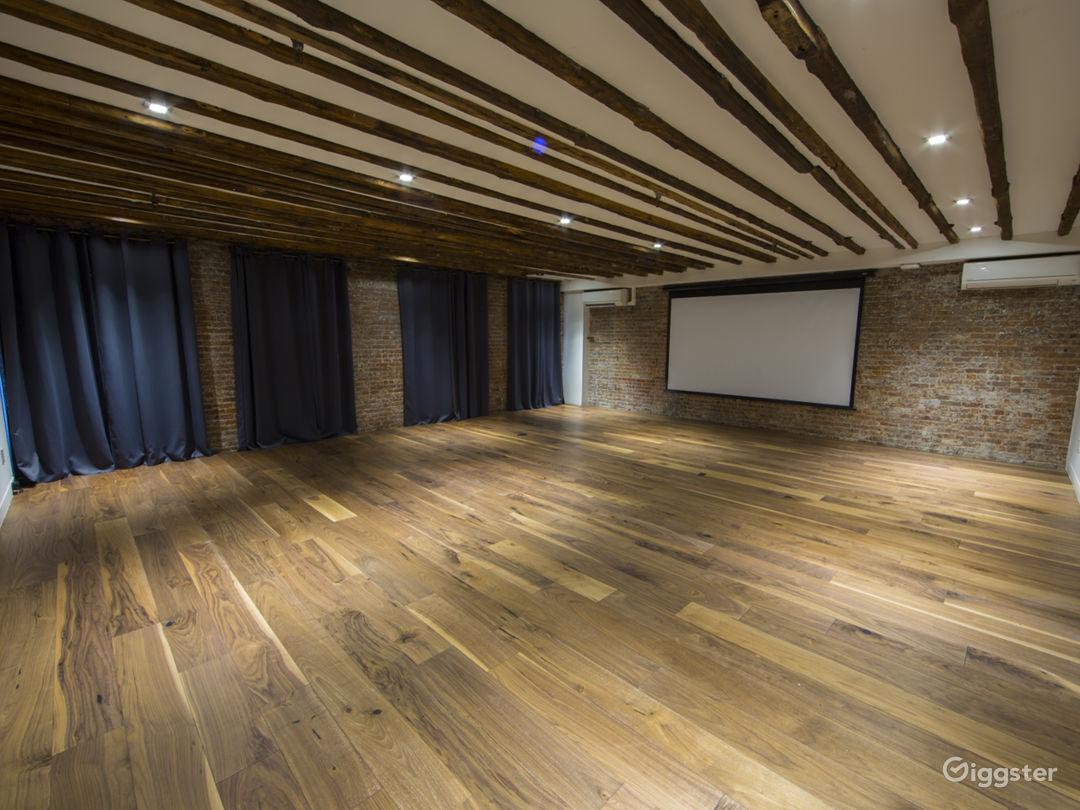 Ultimate Creative Studio with 3 Separate Suites Photo 4