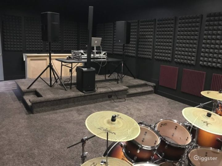 Warehouse Studio for Music Rehearsals | Video Shoot Space Photo 5