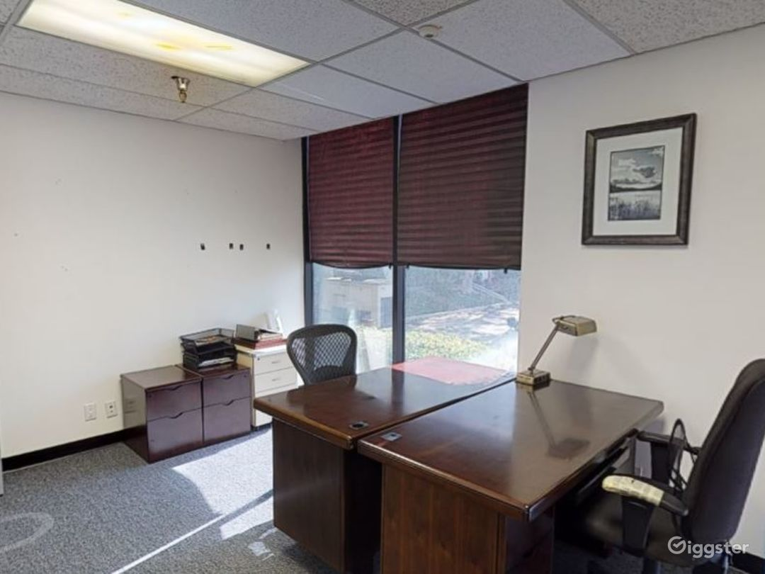 Custom Office/Warehouse Space for Lease - Ontario Photo 3