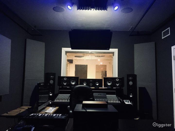 Recording Studio, Loft/Industrial/Natural Lighting Photo 4