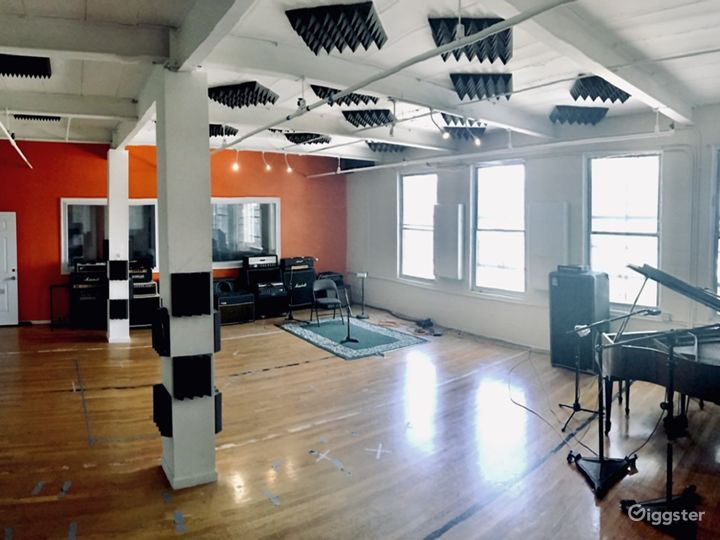 Recording Studio, Loft/Industrial/Natural Lighting Photo 2
