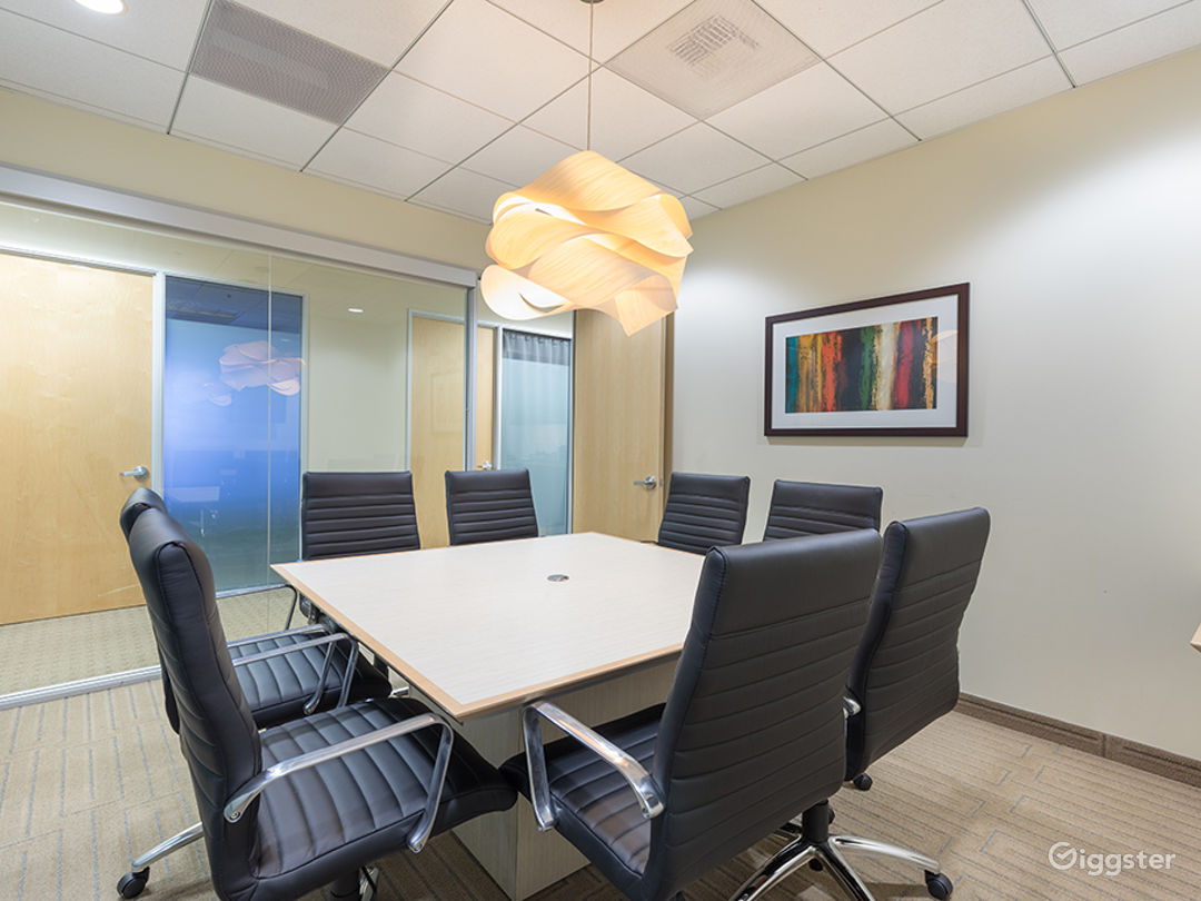 8 PERSON CONFERENCE ROOM-MANHATTAN BEACH Photo 2