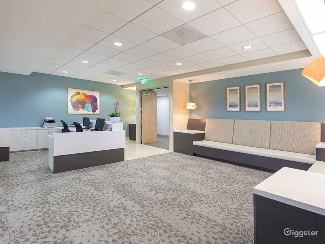 8 PERSON CONFERENCE ROOM-MANHATTAN BEACH Photo 4