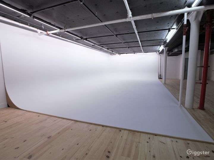 50' White Cyc' Stage located in Chelsea, Manhattan Photo 2